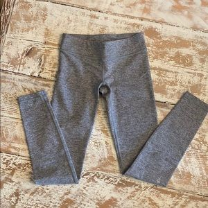 Ivivva heathered grey leggings size 8. EUC.